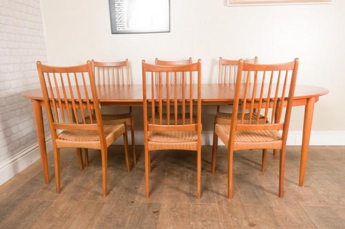 Danish Teak Extending Dining Table and 6 Mogens Kold Chairs