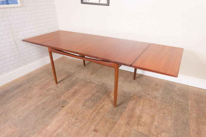 G Plan Kofod Larsen Dining Table and 8 Chairs