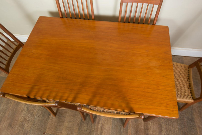 Danish Extending Draw Leaf Table and 6 Mogens Kold Dining Chairs
