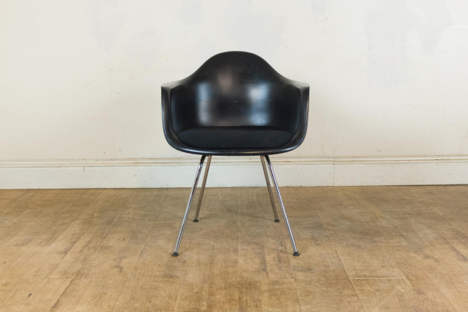 Vitra Eames DAX Plastic Armchair with Seat Cushion
