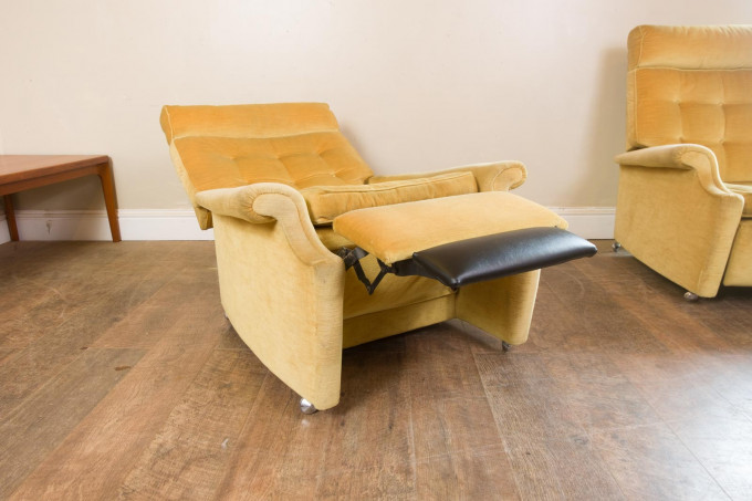 Pair of Mid Century Reclining Arm Chairs by Parker Knoll