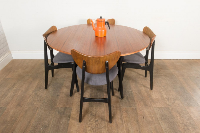 G Plan Librenza Round Dining Table and 4 Butterfly Chairs